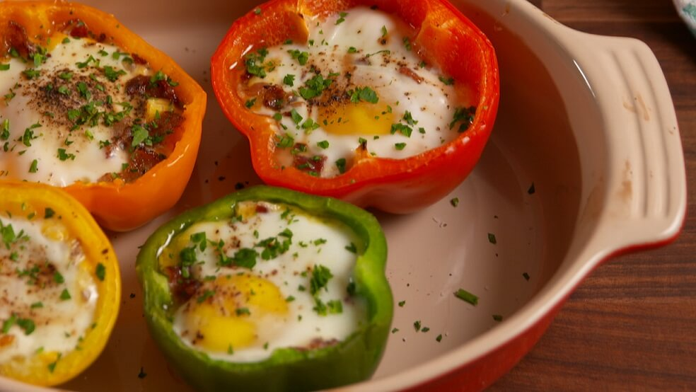 Egg in a Pepper For Breakfast